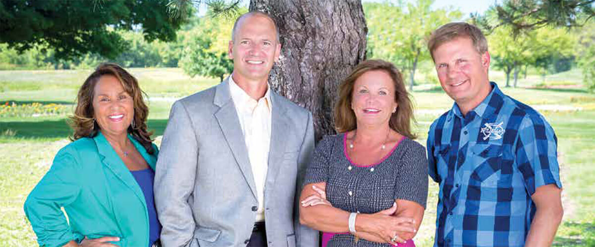 Jeff Disher Receives 2015-16 Business Leadership Award